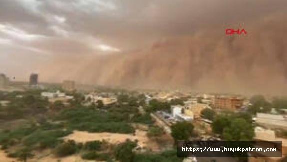 O iller için toz fırtınası uyarısı: Pencereleri açmayın, balkona çıkmayın
