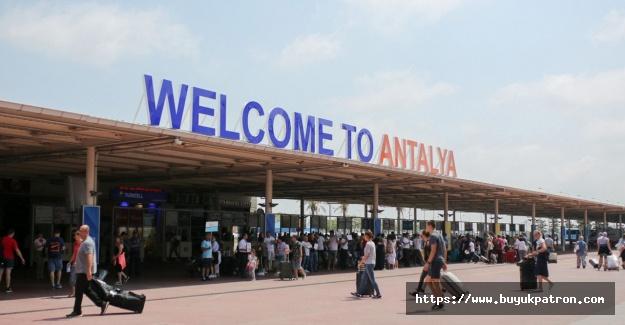 Rus heyet Antalya'da, turizmcinin gözü 'hava'da
